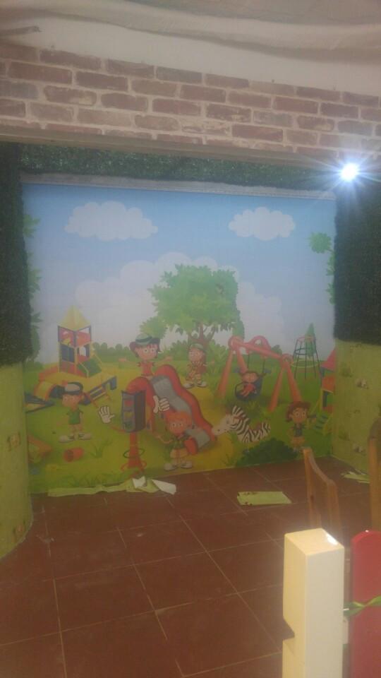 Thi công tranh dán tường quán ăn trần đại nghĩa